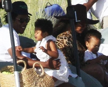 Rumi and Sir Carter hit the sand with their mom and dad, Jay Z and Beyonce